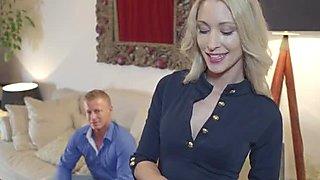 Uma Sex and Victoria Puppy share a cock