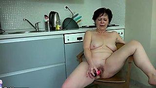 OldNanny Sexy girl masturbate hairy granny pu