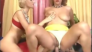 German girl fisted in a threesome