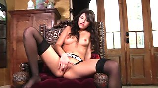 Hot babe Shyla Jennings dildo self bang