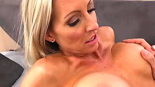 Hussy slut Emma Starr gets her cunt licked and hammered in a missionary position