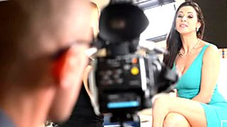 Stunning brunette porn actress gives blowjob after interview