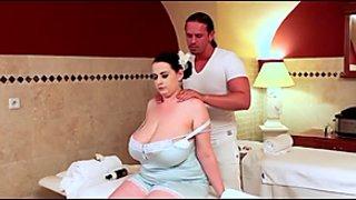 BBW-MILF bei der Massage gefickt