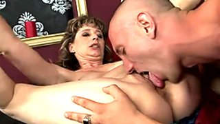 Short haired wifey cheats her hubby and sucks neighbor's strong dick