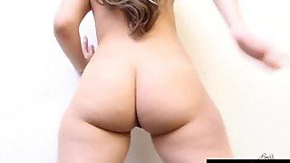Worship Carmen Valentina's Plump White Booty
