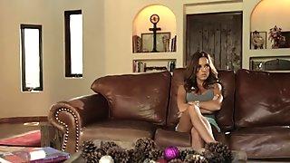 Gorgeous lesbian scissoring wet cougar dyke