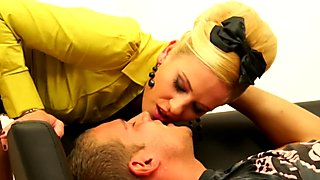 Pissing fetish bizarre couple fucking and ska