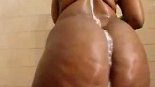 Stunning ebony babe Bustylaura4u twerks her huge ass in showers ALIVEGIRLcom