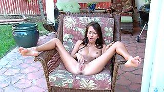 Amazing Girl Rubs Vagina