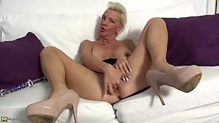 Busty granny with thirsty big vagina