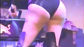 Nicki Minaj vs Iggy Azalea Jerk Off Challenge